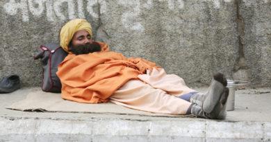 Садху на отдыхе. Вриндаван. Индия