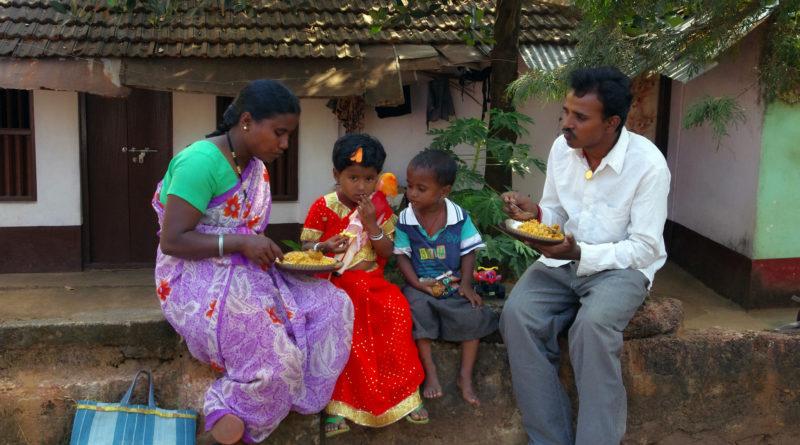 Индия, семья, прасад, обед