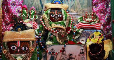 Божества во Вриндаване. Индия