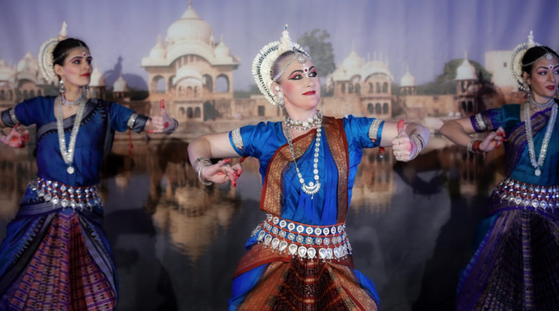 Рузова, Сатьябхама, Лиламрита, Баланс