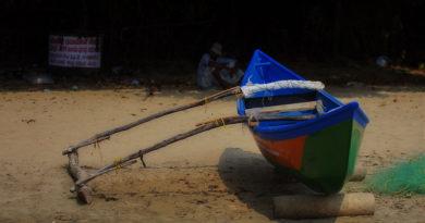 Лодка на берегу. Керала. Индия